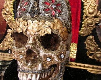 Day of the dead jeweled skull shrine lighted altar original art creepy unique one of a kind antique memento mori metallic crown assemblage
