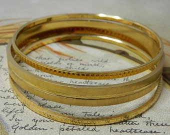 Set of 3 Vintage TRIFARI Textured Gold Bangle Bracelets