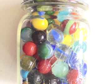 Estate 1930s vintage marble collection plus zinc top Ball jar, one owner, 142 marbles