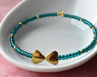 Gold Heart Bracelet, Emerald Green Beads, Gemstone Jewellery, Green and Gold, Memory Wire, Green Bangle, Heart Bangle, UK Bracelet