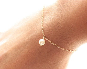 Dainty Pearl Bracelet, Gold Filled, Everyday Bracelet, Delicate Bracelet, Bridal Bracelet, Bridesmaid GIft, Sterling Silver, Rose Gold