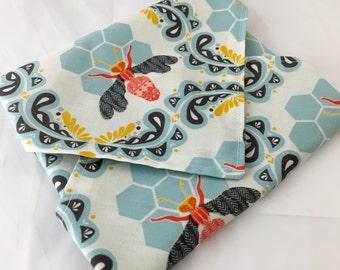 Reusable Sandwich Bag  Bee Sandwich Wrap - Reusable Sandwich Mat - Honey Orchard Bumble Bee Blue