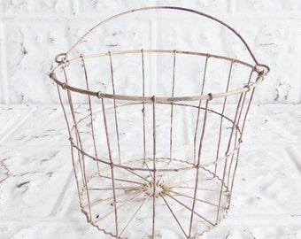 Vintage Wavy Wire Farmhouse  Egg Gathering  Basket