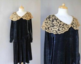 1920s Dress - 20s Flapper Dress - Vintage  Navy Silk Velvet Lace Collar