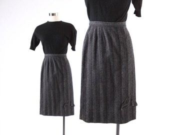 Vintage 50s SKIRT / 1950s Nubby Gray Stripe Pencil Skirt with Bow S