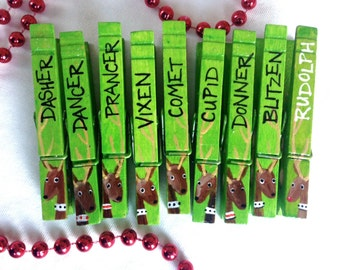 CHRISTMAS REINDEER CLOTHESPINS hand painted green magnets