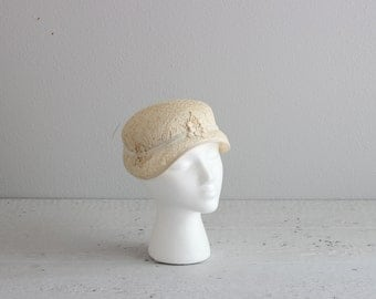 Vintage 1920s Hat . Cream Lace Hat . Vintage Cloche Hat