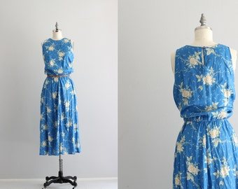 Floral Print Midi Dress . 1990s Sundress . Sleeveless 90s Dress with Pockets