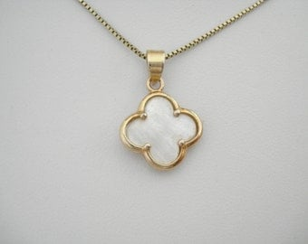 Gold clover necklace, Quatrefoil jewelry, Van Cleef inspired, Lucky charm, Mother of pearl clover, Celebrity inspired, Minimalist jewelry.