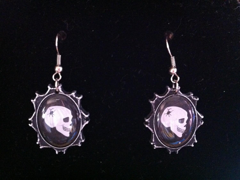 dangle black skull earrings 290 by ritascraftsandmore on etsy