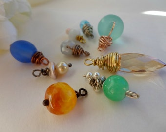 10 pc Wire Wrapped Beads / Grab Bag / Mixed Colors / Wine Bottle Dangles / Necklace DIY / Hand Wrapped