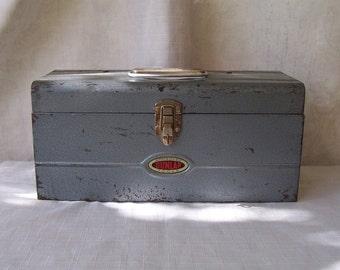 Vintage Dunlap metal tool box attached folding tray.  B242-10