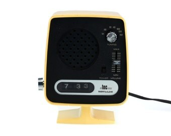Vintage TEC Radio & Clock - Model FT-008 - Made in Japan - 1960s 70s
