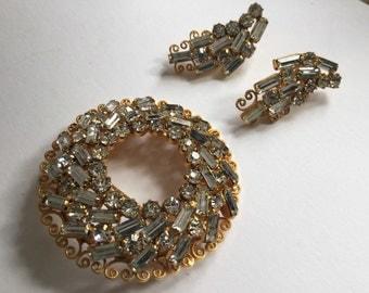 Whiting and Davis rhinestone brooch and earrings    VJSE