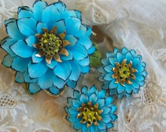 vintage enameled flower brooches etsy. Black Bedroom Furniture Sets. Home Design Ideas