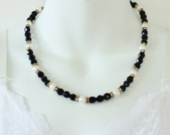 Vintage Signed Hobe Opaque Onyx Black Faux Pearl Ivory Off White Faceted Round Beaded Clear Rhinestone Rondelle Traditional Preppy Necklace