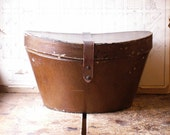 Vintage Oblong Brown Hat Box with Leather Strap from Knox Hats, Fifth Avenue, New York