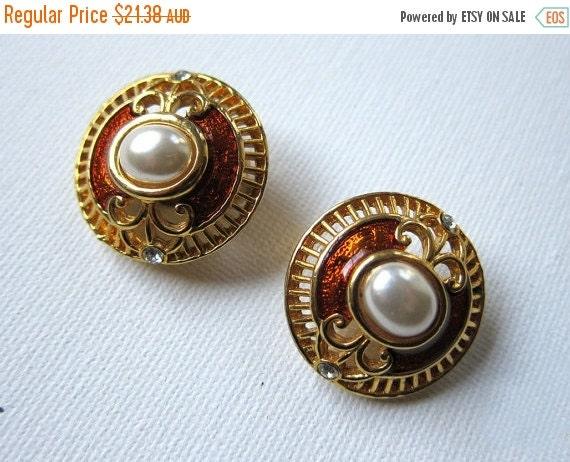 ON SALE Vintage Dynasty pearl, diamante and enamel gold earrings