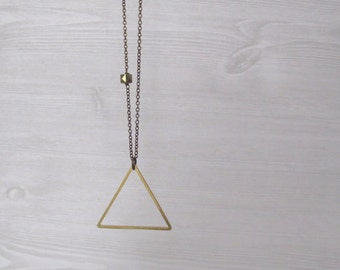 Trill - Long Brass Triangle Necklace with Large Triangle Pendant (Collier Triangle; Geometrische Schmuck; Dreieck Halskette) by InfinEight