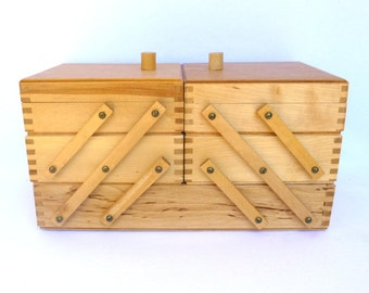 VINTAGE EXPANDING BOX/ Sewing Box