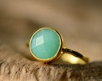 SALE - Green Chrysoprase Ring Gold - Solitaire Ring - Mint Stone Ring - Stacking Ring - Gold Ring - Round Ring