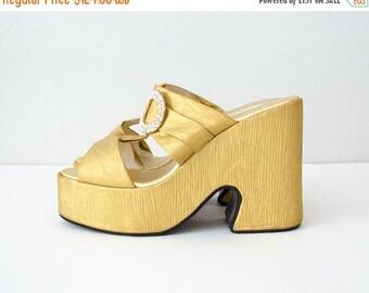 30% OFF SALE / 1970s vintage shoes / gold lamé mega platforms / size 8