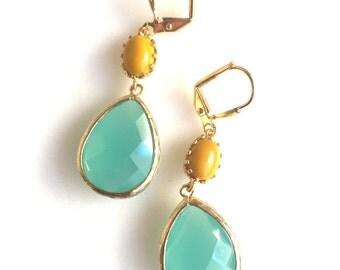 Aqua Mint and Mustard Yellow Dangle Earrings in Gold. Bridesmaid Earrings. Dangle Earrings. Drop Earrings. Wedding Jewelry. Bridal. Gift.