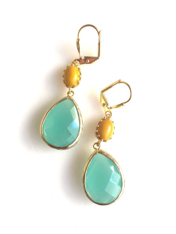 Aqua Mint and Mustard Yellow Dangle Earrings in Gold. Bridesmaid Earrings. Dangle Earrings. Drop Earrings. Wedding Jewelry. Bridal. Gift.