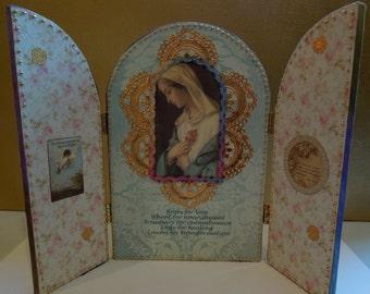 Beaded Madonna Shrine w/Violets