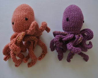 Knitted Squids - Squid Squad!