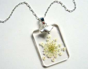 Queen Anne's Lace and Bird - Real Flower Garden Necklace - botanic jewelry, pressed flower, bird, Summer necklace, flower jewelry, eco, ooak