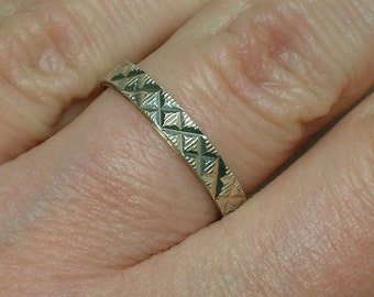 925 Silver Band, Retro Diamond Cut Etched Faceted. Slim 3mm Ring. Size 6