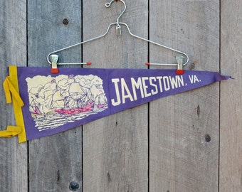 Vintage Jamestown Virginia Pennant Purple Yellow Pink Felt Ships Boats Sailing Ocean Travel Souvenir Momento Vacation Collectible