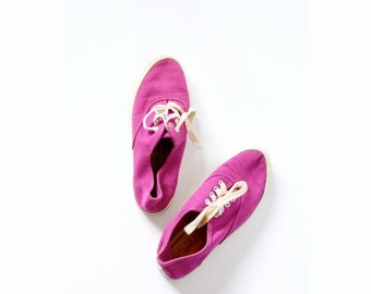 30% OFF out of town SALE Vintage RETRO // purple // pink Keds look a-like size 5