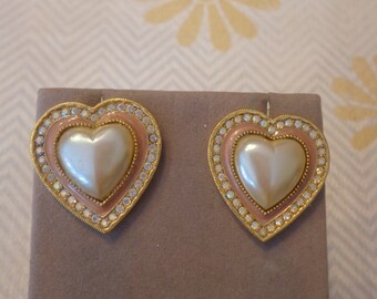 Lovely Vintage Gold Tone 1928 Brand Faux Pearl Heart Cabachon w/ Enamel and rhinestones, Pierced Post