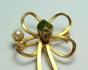 MOVING SALE Half Off Funky Vintage Gold Tone Flower  Shamrock Clover with Pearl and Jade Stone Brooch