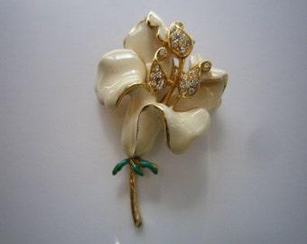 Creamy White Enamel & Rhinestone  Flower Brooch