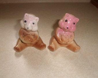 vintage salt pepper shakers set bear pair figurine