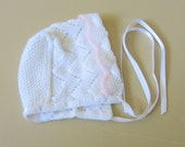 White Hand Knit Baby Bonnet Pink Scallop Trim Newborn 279b