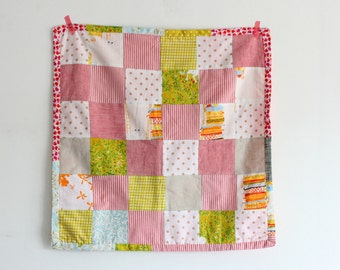 Baby girl blanket, new baby girl gift. Patchwork, cotton, linen and soft cotton chenille on the back. Made in Italy.