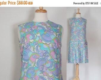 THE LOVE SALE 60s Dress / 60s Mod Dress / Paisley Dress / Drop Waist Dress / 60s Vintage Dress / Mod Op Art Dress