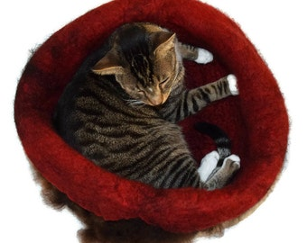 Cat Bed Felted Wool Fleece Cat Basket - Navajo Churro - Kats Cradle - Supporting Small US Farms - Ready to Ship