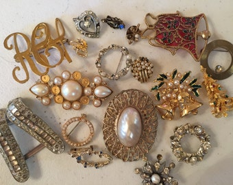 SALE! Rhinestone Craft Jewelry lot 908