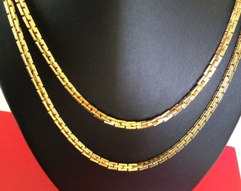 Versitile Vintage Signed Monet Gold Plated Rectangular Link Long Chain Necklace