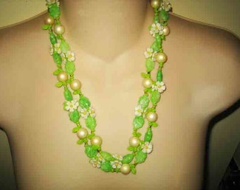 Vintage 50s Celluloid Daisy Flower long Necklace