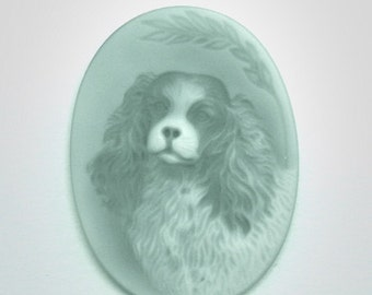 Green Onyx Cameo carving of a King Charles Spaniel, Image of a Dog, Dog Carving, pendant necklace, choker, brooch, hat pin
