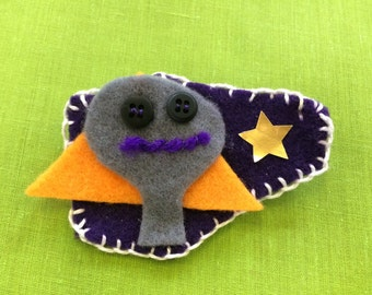 Felt brooch #13 - Free delivery to the UK