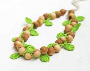 Wooden necklace with green crochet leaves Boho chic Gift for nature lover Handcrafted natural jewelry Summer gift for her Mori girl Bohemian