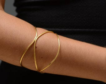 Minimalist Gold Bangle Bracelet, gold bangle, minimalist gold bracelet, gold bracelet bangle, delicate bangle, delicate gold bangle,