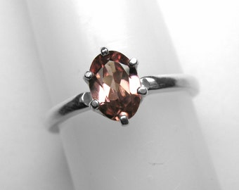 Pink Zircon Ring in Silver, 7 x 5 mm